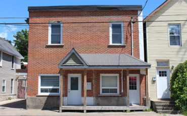 401-403 Barrie St – Unit #2- 2 Bedroom – Available/October